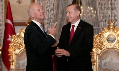 Συνομιλίες Μπάιντεν – Ερντογάν για τον πόλεμο κατά του ISIS (Vid)