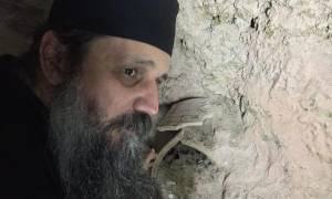 Hürriyet: Στο κέντρο της Πόλης αναδύθηκε...ελληνορθόδοξο χριστιανικό νεκροταφείο (pics)