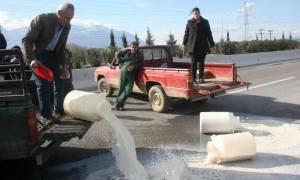 Οι αγρότες «πνίγουν» τον Τσίπρα - Αποφάσισαν επ΄ αόριστον μπλόκα