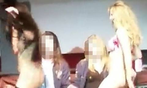 Σκληρό sex show με στρίπερς σε κορυφαίο πανεπιστήμιο! (photos)