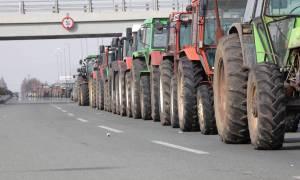 Μπλόκα αγροτών: Αποκαταστάθηκε η κυκλοφορία στην Αθηνών - Λαμίας