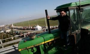 Κλιμακώνουν τις κινητοποιήσεις οι αγρότες - Έριξαν «πόρτα» στον Τσίπρα