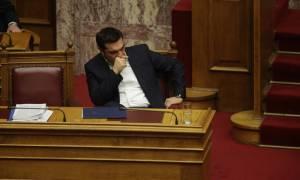 Βουλή: Στριμωγμένος και ανήσυχος ο Τσίπρας στη μάχη του Ασφαλιστικού