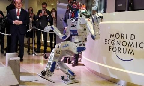 Νταβός: Έκκληση από ειδικούς να μπουν κανόνες για τους στρατιώτες-ρομπότ