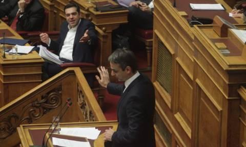 Βουλή – Ασφαλιστικό: Μητσοτάκης σε Τσίπρα – Γιατί δεν πας στα μπλόκα;