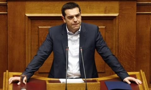Βουλή - Ασφαλιστικό: Τσίπρας σε Μητσοτάκη: Είσαι γιαλαντζί μεταρρυθμιστής!