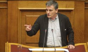Βουλή - Ασφαλιστικό: Τσακαλώτος - Σας ζητήσανε νέα μέτρα και εσείς είπατε «yes please»