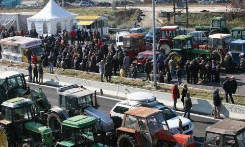 Στα άκρα η κόντρα κυβέρνησης - αγροτών: Κλιμακώνουν τις κινητοποιήσεις τους