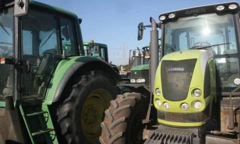 Farmers close Tempi Valley; Peloponnese non accessible