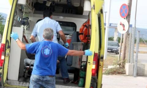 Διασώστες και ασθενοφόρα για το ΕΚΑΒ – Επισκευάζονται ελικόπτερα για αεροδιακομιδές