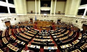Δυο τροπολογίες απέσυραν Σταθάκης-Παρασκευόπουλος εν μέσω σφοδρών αντιδράσεων