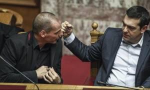 Ερώτηση 40 βουλευτών της ΝΔ προς Τσίπρα για τις ευθύνες Βαρουφάκη