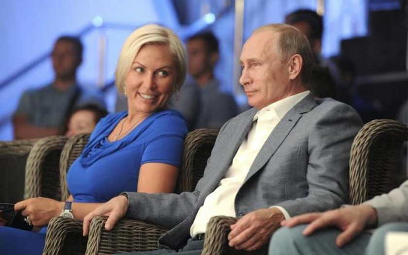 Η ξανθιά καλλονή… μποξέρ που μάγεψε τον Πούτιν (photo)