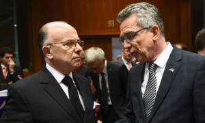 Αιφνιδίως στην Ελλάδα για το προσφυγικό οι υπουργοί Εσωτερικών Γαλλίας και Γερμανίας