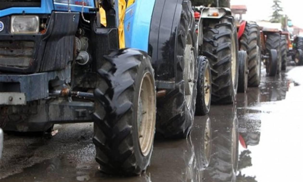Μπλόκα αγροτών: Κλειστή η εθνική οδός Αντιρρίου - Ιωαννίνων