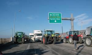 Μπλόκα αγροτών: Κλειστό σε 24ωρη βάση από την Κυριακή το τελωνείο των Κήπων