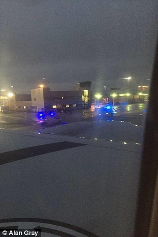 Τρόμος και μυστήριο σε πτήση της American Airlines: Άρχισαν να λιποθυμούν επιβάτες και πλήρωμα!