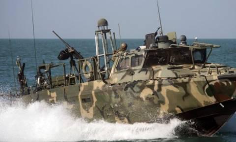 Παρ' ολίγον θερμό στρατιωτικό επεισόδιο με πολεμικό πλοίο των ΗΠΑ στο Ιράν