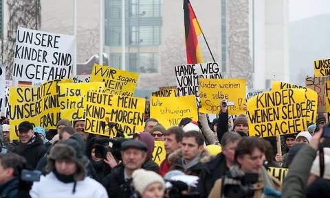 Υπόθεση βιασμού 13χρονης προκαλεί διπλωματικό «πυρετό» Γερμανίας - Ρωσίας