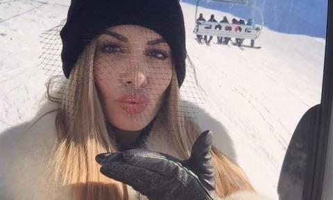 Πήγε για σκι με την πλερέζα, άντε και στην παραλία με την έξυπνη σίτα…