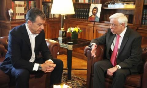 Έκτακτη συνάντηση Παυλόπουλου - Θεοδωράκη για το μεταναστευτικό