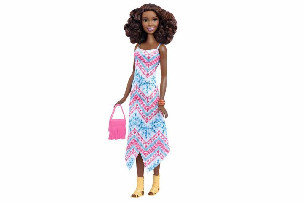 ba7070fa84ef Η Barbie απέκτησε καμπύλες και όχι μόνο! Δείτε τα 27 νέα μοντέλα που  κυκλοφόρησαν (