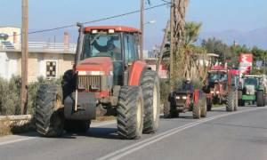 Παράσταση διαμαρτυρίας αγροτών της ΠΑΣΥ στο διοικητήριο Αργολίδας