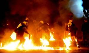 Τρόμος στην κυβέρνηση για εκτεταμένα επεισόδια - Απαγορεύονται οι συγκεντρώσεις