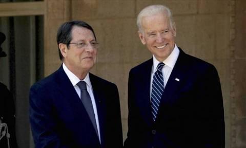 Τηλεφωνική επικοινωνία Μπάιντεν - Αναστασιάδη για το Κυπριακό