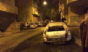 Επίθεση με μολότοφ στο σπίτι του Αλέκου Φλαμπουράρη - Κάηκαν δύο αυτοκίνητα (photos)