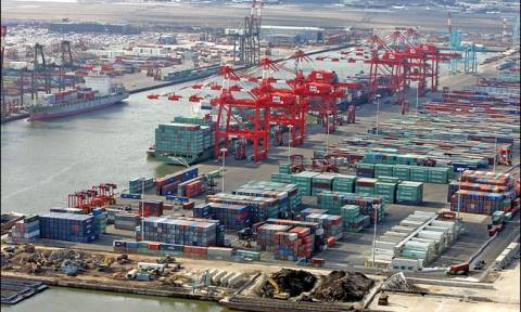 Έκλεισαν λιμάνια της Νέας Υόρκης μετά από αιφνίδια απεργία των φορτοεκφορτωτών