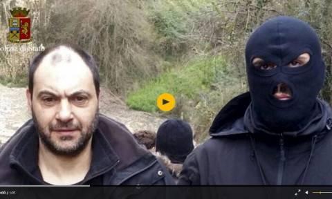 Σύλληψη «αφεντικών» της Μαφίας στην Ιταλία - Δείτε την απίστευτη κρυψώνα τους στο βουνό (Vid)