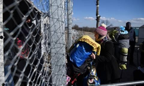 Μουζάλας: Ανοιχτού τύπου αλλά φρουρούμενα τα στρατόπεδα σε Σίνδο και Σχιστό