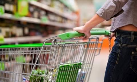 Tα social media «πουσάρουν» τις ηλεκτρονικές αγορές στο λιανεμπόριο τροφίμων