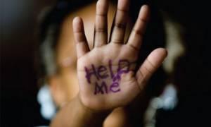 Σοκ στις Αχαρνές: Ασελγούσε σε 6χρονη και στο διπλανό δωμάτιο έπαιζε ο γιος του