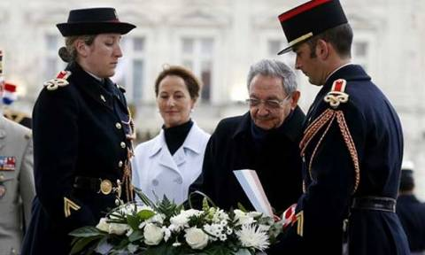 Η ιστορική επίσκεψη του Ραούλ Κάστρο στο Παρίσι (vid)