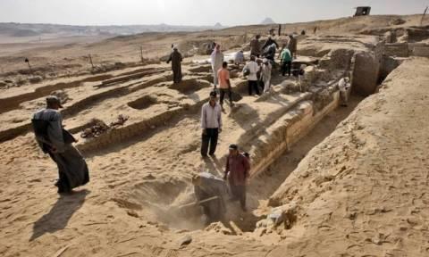 Αίγυπτος: Πλοίο 4.500 ετών βρέθηκε θαμμένο κοντά σε πυραμίδες