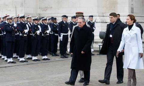 Ολάντ καλεί Ομπάμα για τελική άρση των κυρώσεων κατά της Κούβας