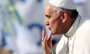 Πλούσια δώρα στη λοταρία του Πάπα Φραγκίσκου