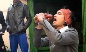 Απίστευτο βίντεο: Έβαλε στο στόμα του 138 μολύβια!
