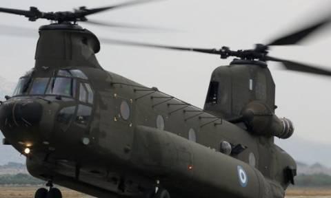 Ηράκλειο: Ελικόπτερο Σινούκ του στρατού έκανε αναγκαστική προσγείωση
