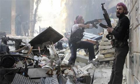 Συρία: Ο κυβερνητικός στρατός περικυκλώνει το Χαλέπι (vid)