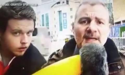 Δημοσιογράφος δέχεται επίθεση με… φουσκωτή μπανάνα! (video)