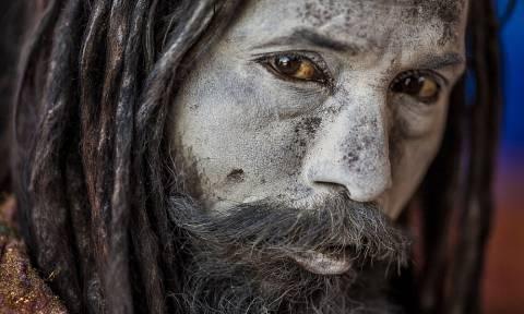 Οι κανίβαλοι μοναχοί της Ινδίας - Τρέφονται με ανθρώπινη σάρκα και πίνουν νερό από κρανία