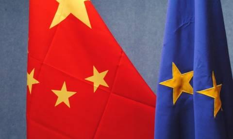 Η ΕΕ σχεδιάζει δημόσιες διαβουλεύσεις για το εμπορικό καθεστώς της Κίνας