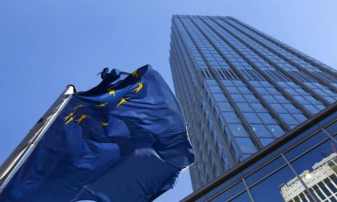 Mειώθηκε κατά 300 εκατ. ευρώ η έκτακτη ρευστότητα προς τις τράπεζες