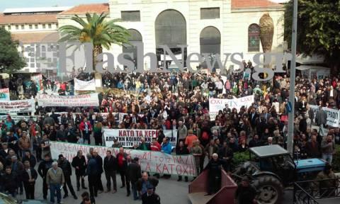 Απεργία: Και ξαφνικά βγήκε το… φέρετρο στους δρόμους των Χανίων – Τι συνέβη;