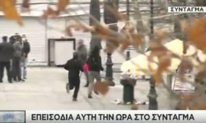 Απεργία: Μολότοφ και δακρυγόνα στο Σύνταγμα (video)