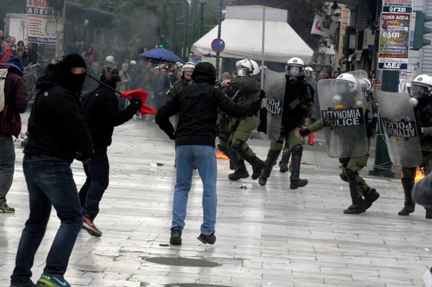 Καρέ-καρέ τα σοβαρά επεισόδια στο κέντρο της Αθήνας