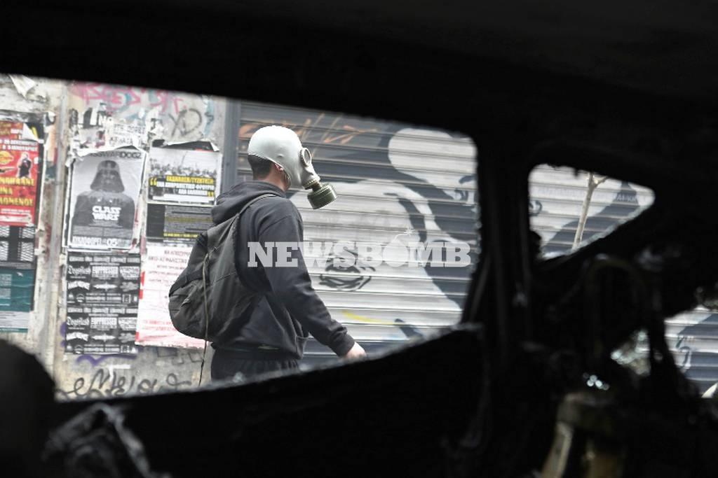 Απεργία - LIVE: «Πεδίο μάχης» το κέντρο της Αθήνας – «Πνίγηκε» στα χημικά το Σύνταγμα (pics+vids) (2)